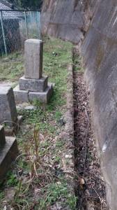 お墓の掃除・草抜き・お墓参り・お彼岸前のお掃除  便利屋ワンズ呉市で活躍しております